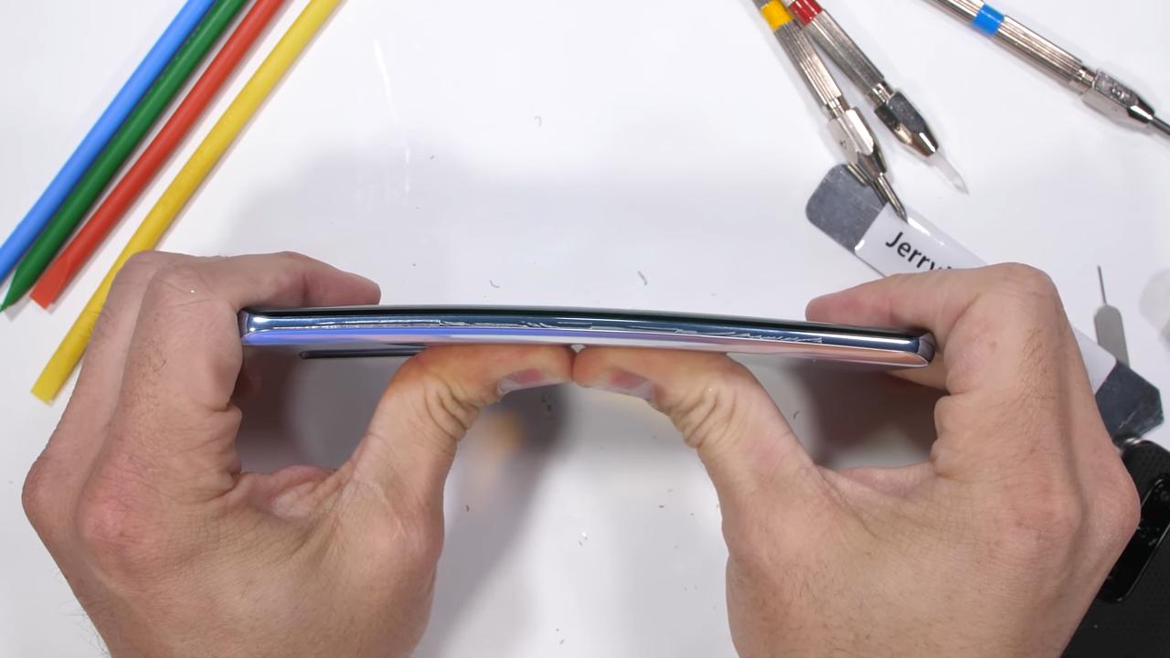 Huawei P30 Pro test izdržljivosti JerryRigEverything - Naslovna