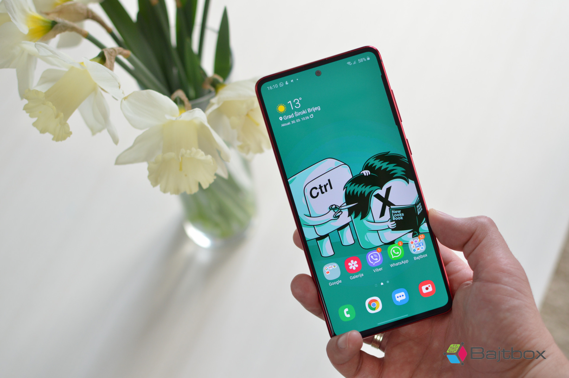 Samsung Galaxy Note 10 Lite recenzija zaslon
