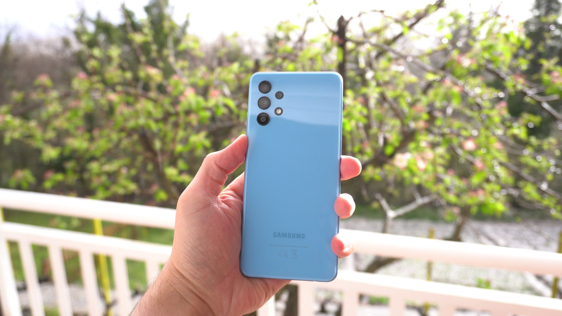 Samsung Galaxy A32 4G recenzija - dizajn